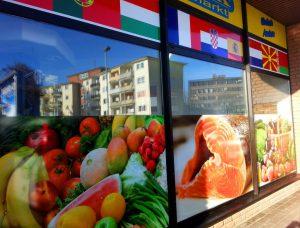 Schaufensterbeschriftung Supermarkt